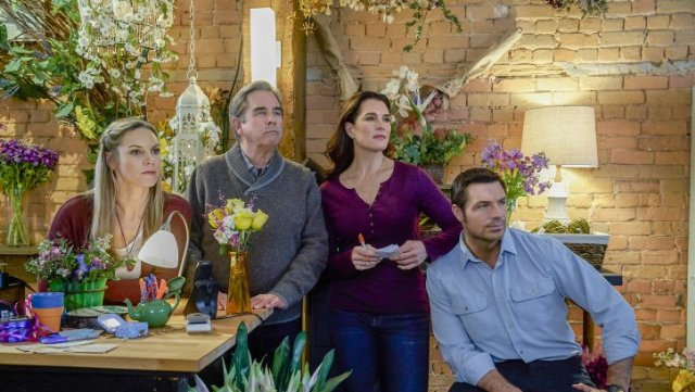 Watch Flower Shop Mystery: Snipped in the Bud Online